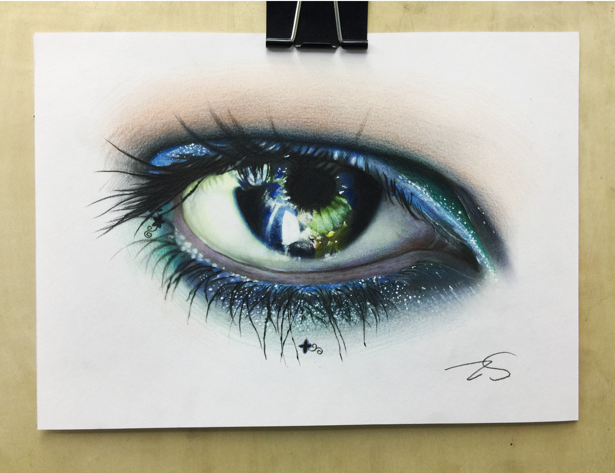 彩铅手绘大眼睛