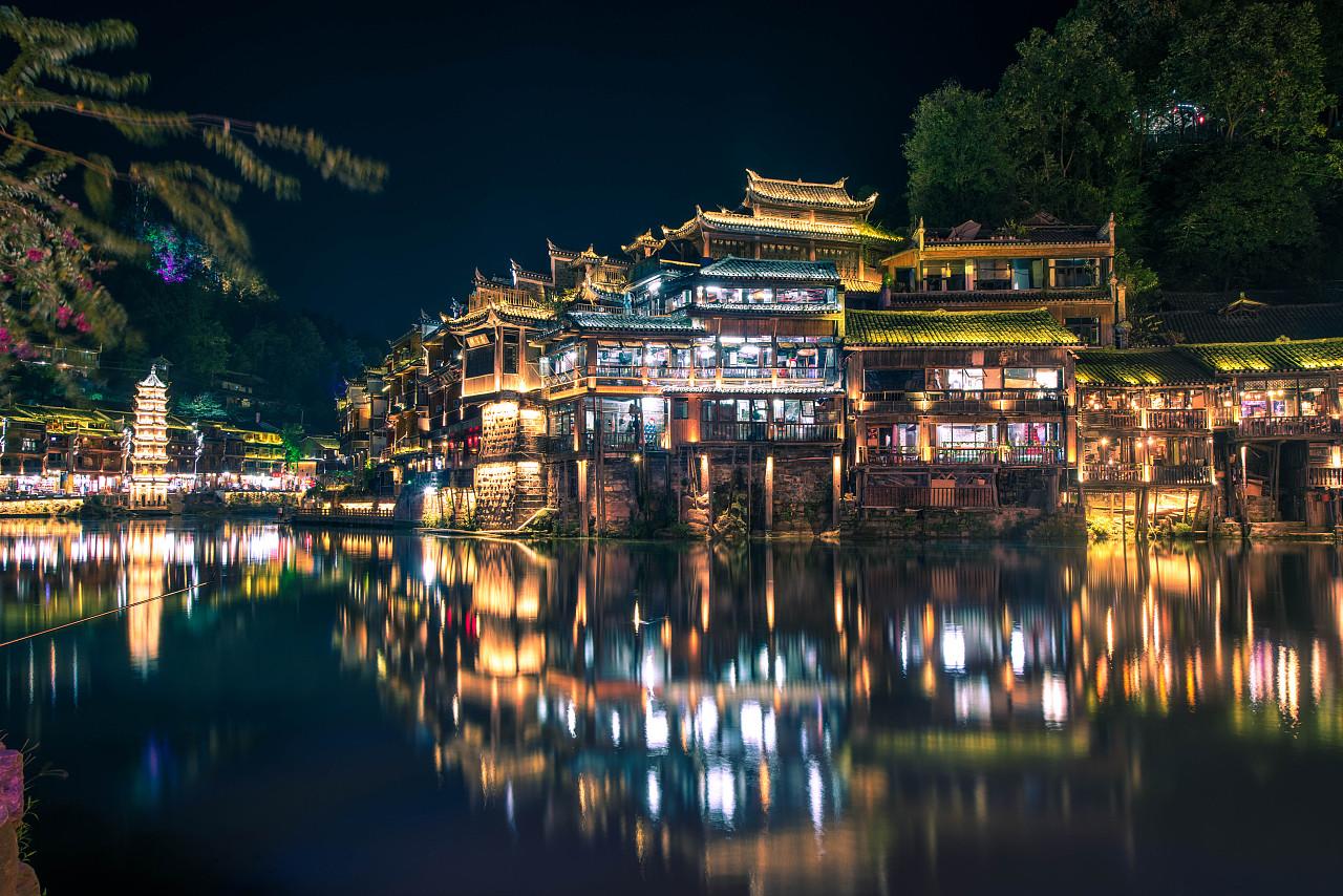 手绘湘西建筑风景