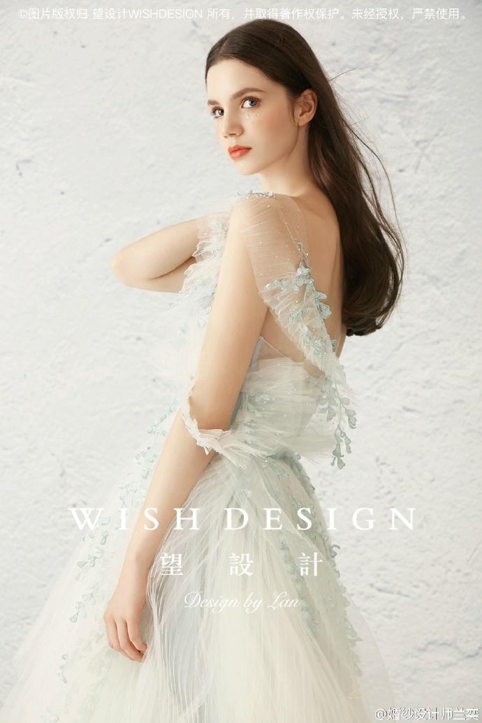 查看《莉吉雅的舞剧,婚纱设计师兰奕2017挚爱系列》原图,原图尺寸:690x1035