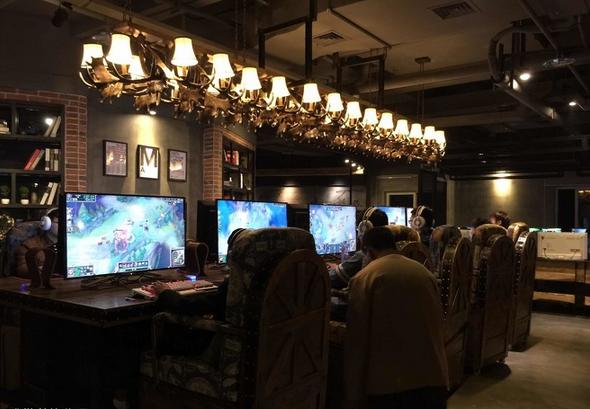 工业风柳州 网咖 装修设计 5号 仓 网咖 室内设计高清图片
