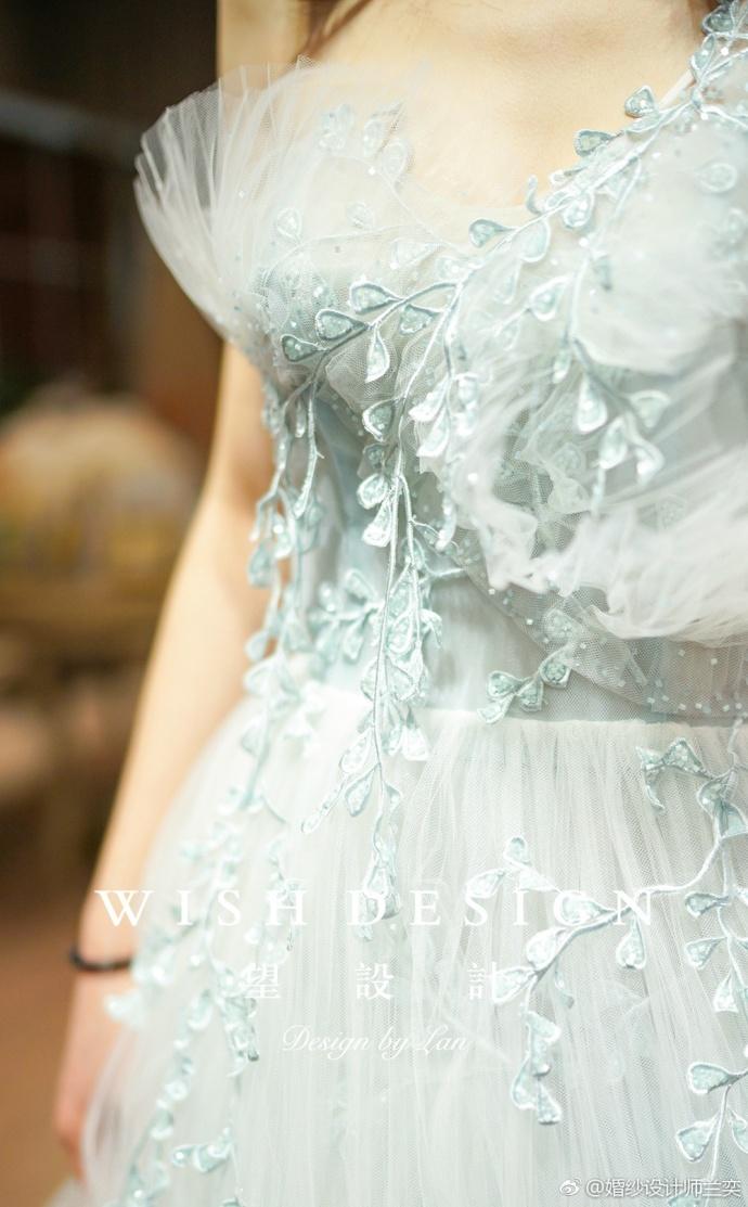 查看《莉吉雅新娘》原图,原图尺寸:690x1113