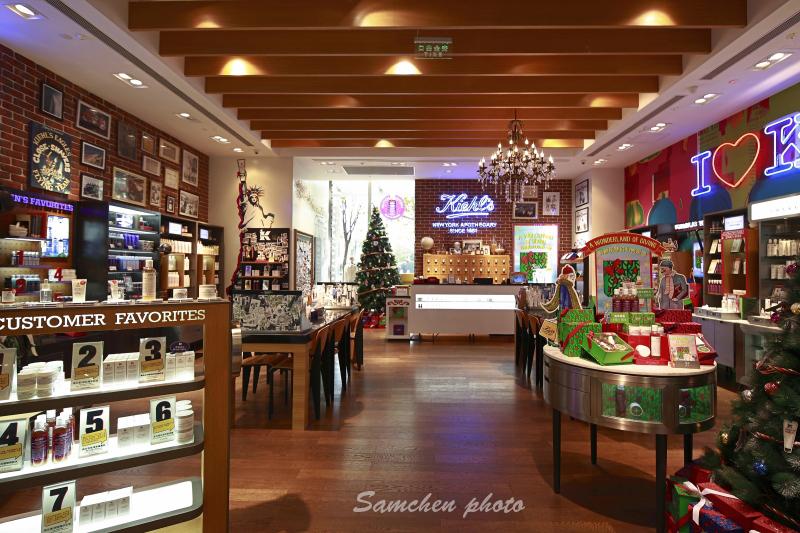 圣诞季 商业橱窗成列展示 空间摄影图片