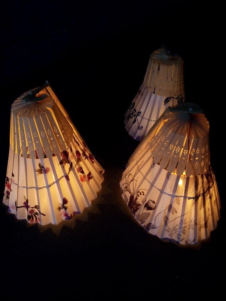 手工制作灯笼,用扇子做的