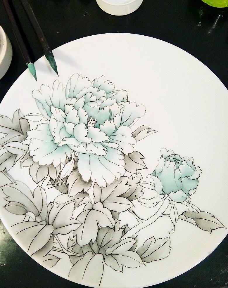查看《牡丹凉――景德镇釉上新彩手绘盘》原图,原图尺寸:780x986
