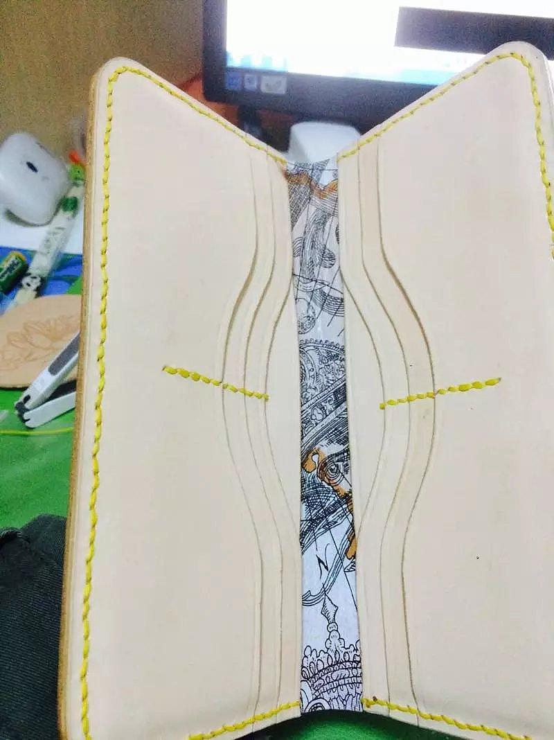 黑白锦鲤素描手绘