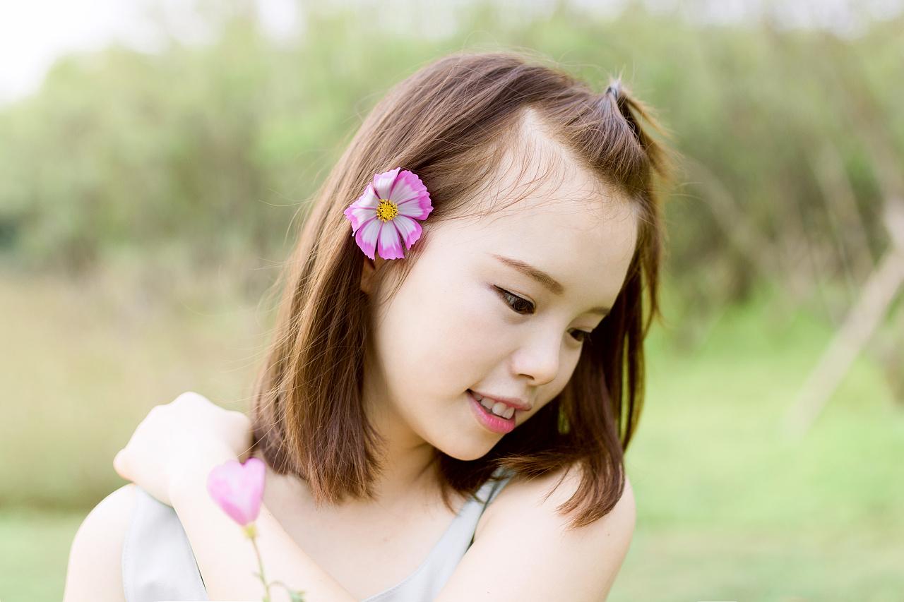 爱笑的女孩儿