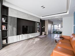 高级灰+纯黑电视墙,打造精致实用的两居学区房