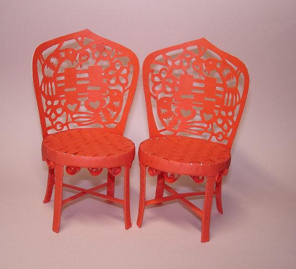 废旧塑料瓶创意制作的小椅子、床