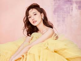 淡黄的长裙 蓬松的头发