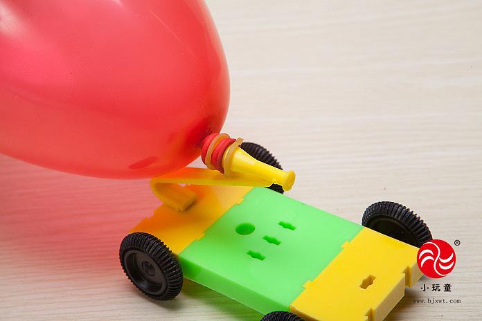 小玩童科技小制作 幼儿园科学实验玩具 diy材料气球反冲小车