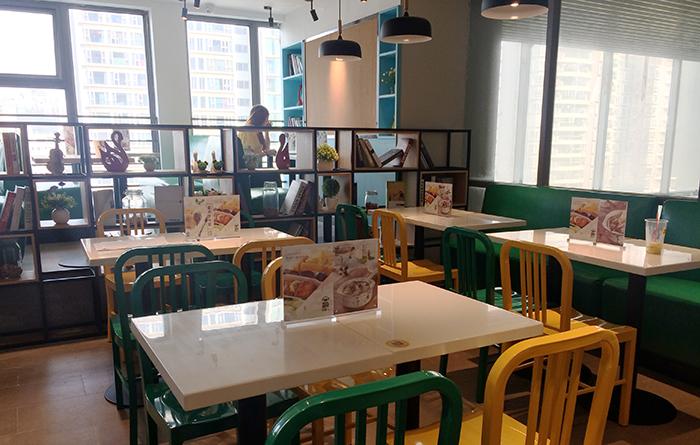 快餐店也注意高颜值-饭猩人O2O品牌餐饮|室内需要建筑设计师应聘什么图片