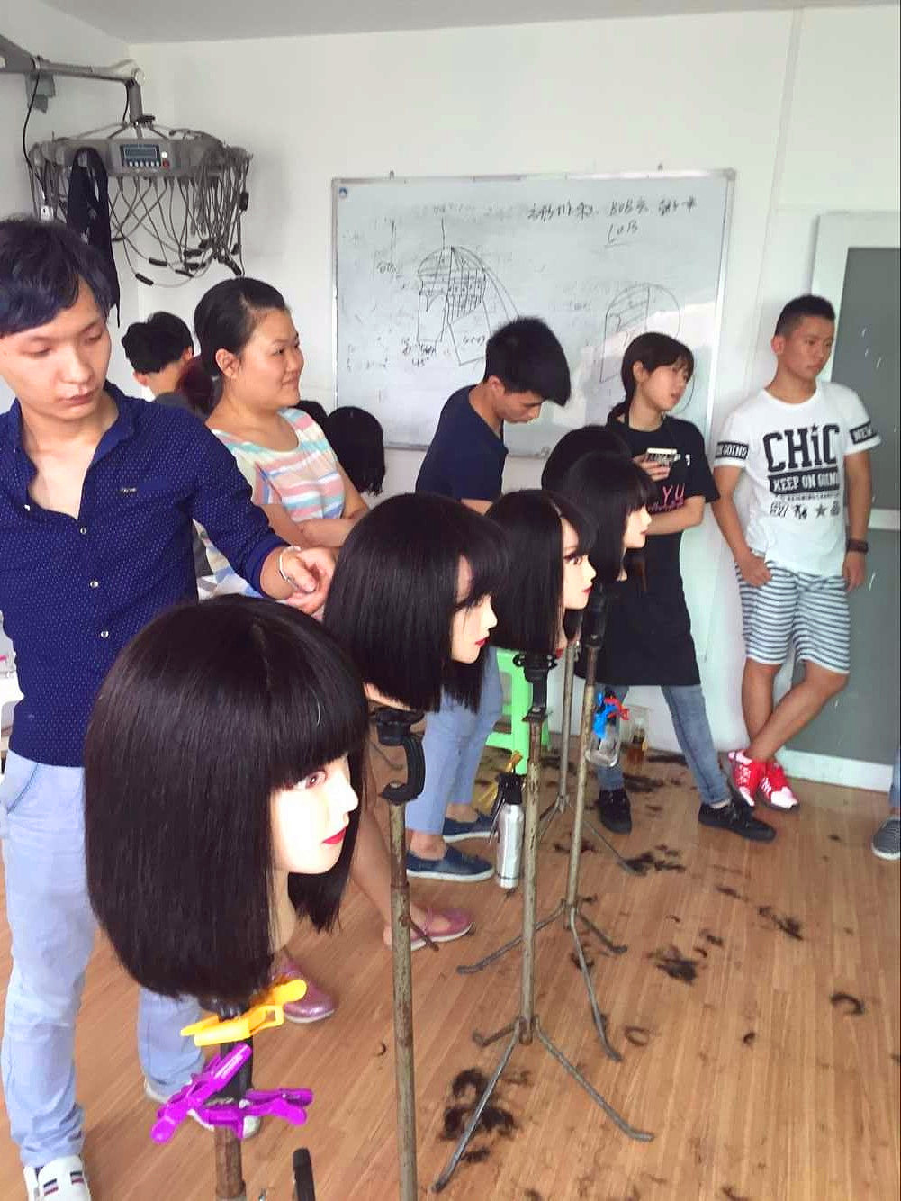 重庆专业美发学校 重庆最好的美发培训学校 美发师进修学校