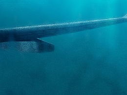 合成深海海底水下拍摄沉落机翼效果