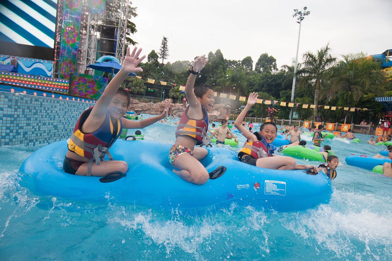 水上乐园_摄于 广州长隆水上乐园|摄影|人像|丹麦的冰 - 原创作品 - 站酷 (ZCOOL)