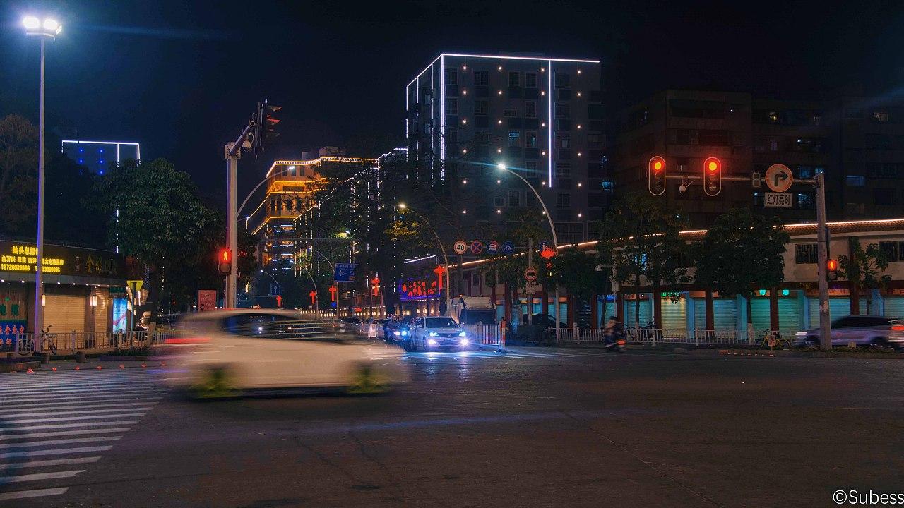 马路夜景之汕头图片
