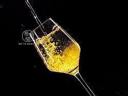 红酒杯  你的 我的  他的~~~就要这种感觉