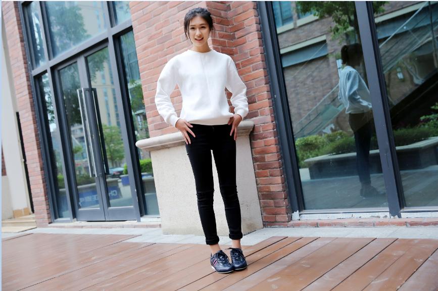 鞋子模特|人像|摄影|卓设电子商务 - 原创设计作