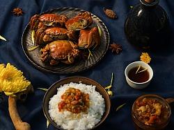 蟹黄满到顶出盖!深秋时节,没有比它更要命的美食了…