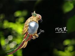 今天不报道国外的,看看中国深圳的珠宝设计师工作室