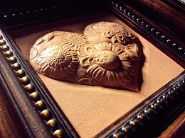 王金铖皮塑作品,送你们一颗有内涵的心