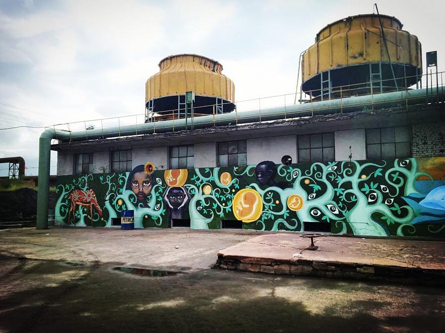 电影 战狼2 背景涂鸦墙绘壁画