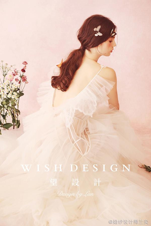 查看《月历上的女孩,兰奕少女心婚纱作品》原图,原图尺寸:600x900