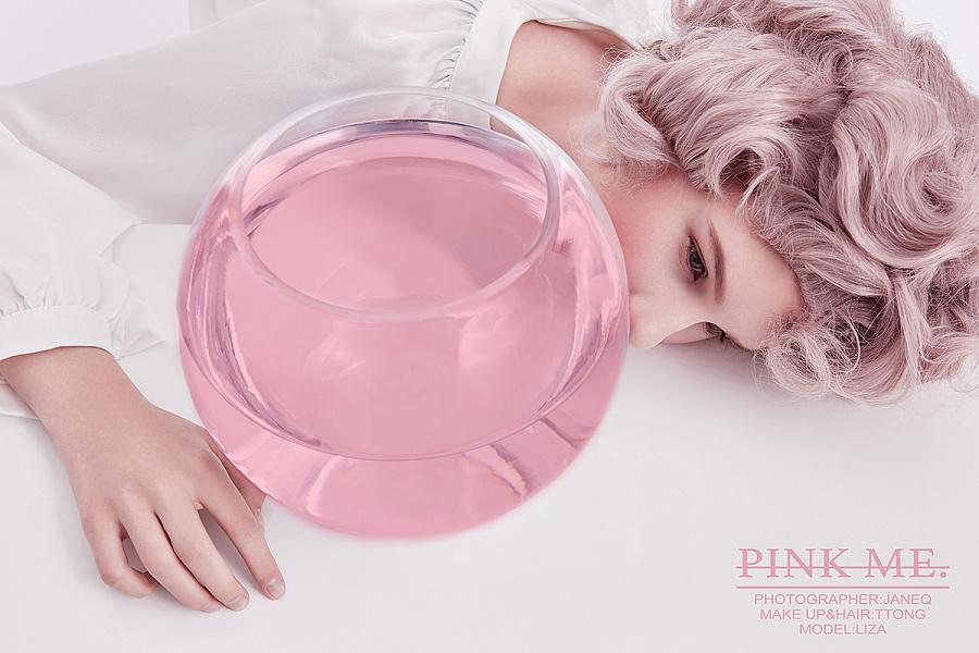 查看《PINK ME》原图,原图尺寸:1200x800