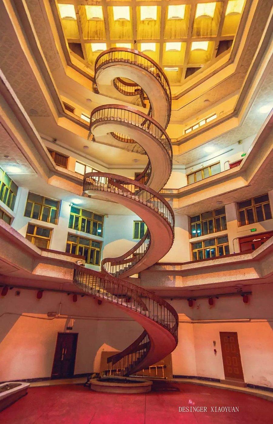 河海大学图书馆看到风光|楼梯|v风光|懒懒de天搞笑图片群q里旋转的图片