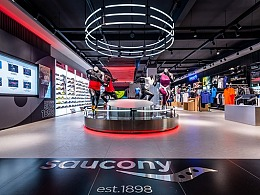 索康尼   主打专业科技的高端运动品牌
