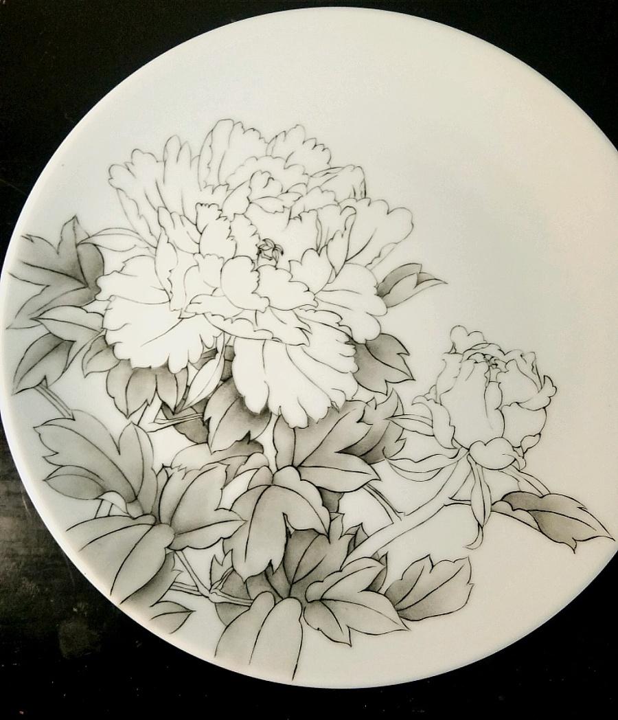 查看《牡丹凉――景德镇釉上新彩手绘盘》原图,原图尺寸:1040x1211
