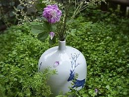 【初于蓝工作室】——青花手绘花瓶《觅春》