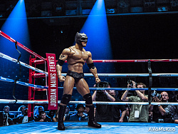 WWE蝙蝠侠大战超人