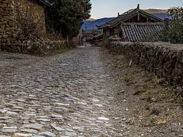 玉龙雪山下安静的玉湖村