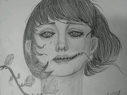 她在丛中笑