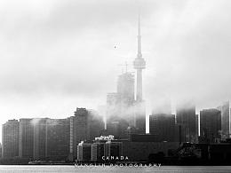 雨后雾中的多伦多市