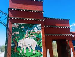 西藏文化园手绘壁画祥瑞图墙绘装饰图案