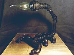 废旧水管与仿生的创意-蝎子水管复古台灯