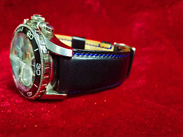 纯手工黑色牛皮表带选用意大利进口皮料(图为表带卡口宽度20mm宽)