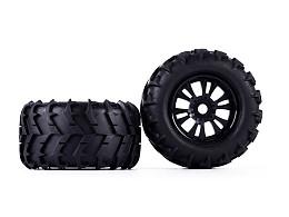 大脚轮胎摄影图