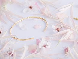 [樱]暖金上的珐琅花瓣之吻| YIN设计金饰产品拍摄