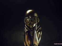 H.R.Giger(齐格)繁殖机器婴儿