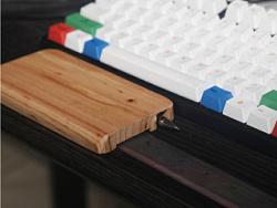 自制键盘手托及桌面线材整理座