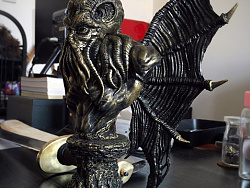 克苏鲁雕像监修进行中....