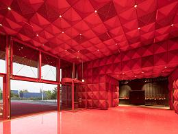 摇滚博物馆:挑战地心引力、布满金色饰钉的建筑设计
