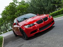 红色宝马M3高性能运动车