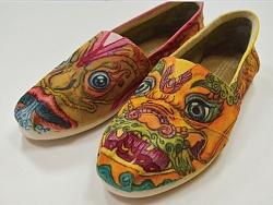 TOMS品牌公益手绘鞋样设计