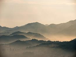 山里的清晨日出