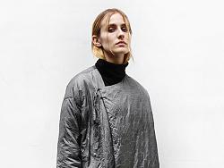 花树果女装品牌原创设计2016冬新款灰色不规则几何纹个性羽绒服