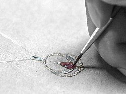一些珠宝设计手稿和获奖作品发上来求大神们轻喷