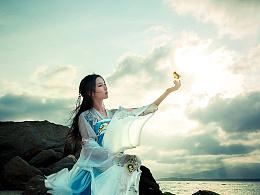 画眉流盼说不尽娇美之态,舞袖迎风飘飞带着万种风情。